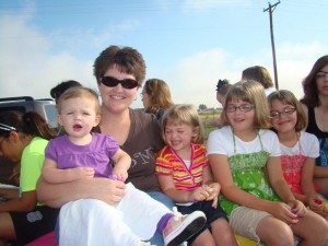 AAMOM President Terri Huseman and her girls.